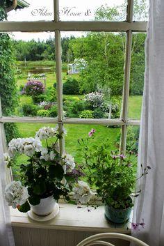 Aiken House & Gardens: An Early Summer Garden Tour