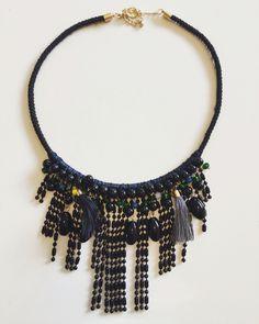 Collar cuerda y piedras negras , sencillo y muy elegante. 22€. ⚫️.