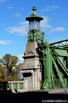 Otto Wagner, completed Nussdorfer Wehr, Vienna - The big lantern, Schmerl Bridge - At the entrance to the Donaukanal. Movement Architecture, Architecture Design, Art Nouveau Architecture, Otto Wagner, Vienna Secession, Victorian Photos, Art Deco Buildings, Austria Travel, Architecture