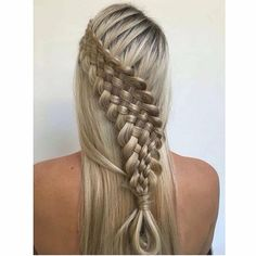 Perfection! The Suspended 7-Strand Dutch Braid by this talented artist @hairbyjoel @hairbyjoel ✨ #dutchbraid #beyondtheponytail