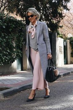 The Best Fashion Ideas For Women Over 60 - Fashion Trends Over 60 Fashion, Mature Fashion, Older Women Fashion, Over 50 Womens Fashion, Fashion Over 50, Mode Outfits, Chic Outfits, Fashion Outfits, Fashion Tips