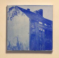 #Berlin 's alte Schönheit #altes #Haus #old #house #streetart #street #art #abandoned #lost #place #verlassener #Ort #photography #Photografie #Fotografie #Kunst #monochrome #monochrom #blue #blau