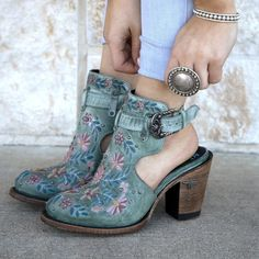 Grunge Style, Soft Grunge, Style Cowgirl, Cute Cowgirl Boots, Outfits With Cowgirl Boots, Western Boots, Cute Ankle Boots, Cowgirl Tuff, Western Style