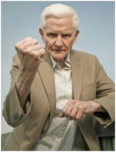 7 Ways to Help Manage Aggression in the Alzheimer's Patient #alzheimers #mindcrowd #tgen www.mindcrowd.org