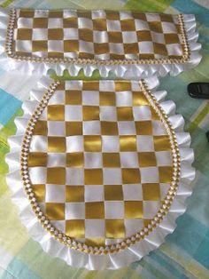 Virginia Olliveira: Ideias Com Moldes Pa - Diy Crafts Sewing Hacks, Sewing Crafts, Sewing Projects, Handmade Crafts, Diy And Crafts, Arts And Crafts, Smocking Tutorial, Bathroom Crafts, Bathroom Sets