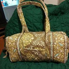 Purse Green floral barrel bag, very cute Vera Bradley Bags Shoulder Bags