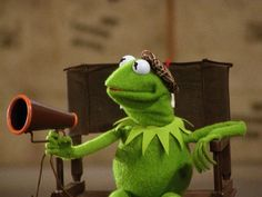 & and Äktschoooon The post & and Äktschoooon appeared first on Kermit the Frog Memes. Cartoon Memes, Funny Memes, Sapo Kermit, Sapo Meme, Be My Hero, Funny Profile Pictures, Muppet Babies, Kermit The Frog, Jim Henson