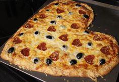 Make a heart-shaped pizza! #Valentines via momendeavors.com