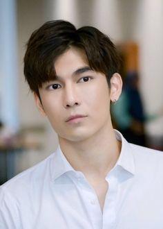 Mew Suppasit Jongcheveevat in What the Duck: The Series Thai Drama - Movies Cute Asian Guys, Cute Guys, What The Duck, Young Cute Boys, 2018 Movies, Cute Gay Couples, Actor Photo, Thai Drama, Drama Movies