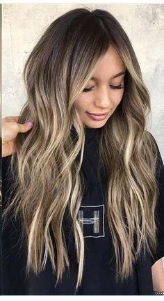 Tendance balayage 2021 : voici le balayage blond déjà rep... - Grazia.fr Hair Blond, Ombré Hair, Brunette Hair, Dark Hair, Red Balayage Hair, Balayage Brunette, Hair Highlights, Asian Balayage, Fall Balayage