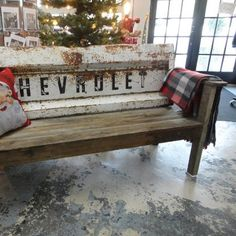 tailgate bench - Would be so cute at the ranch or the lake!