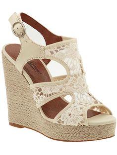 Fashion || white crochet wedge sandals