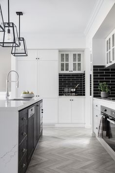 Hamptons black and white kitchen in the Boston 36 display home by Clarendon Homes Hamptons Style Homes, Hamptons House, The Hamptons, Home Decor Kitchen, Kitchen Design, Kitchen Ideas, Basement Kitchen, Kitchen Inspiration, Clarendon Homes