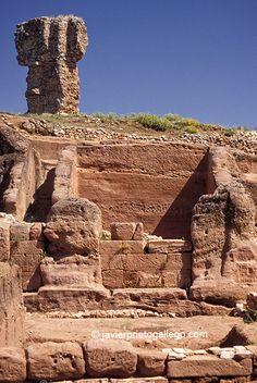 Una invitación a visitar Pintia, Ulaca y Tiermes, tres relevantes enclaves arqueológicos de Castilla y León.