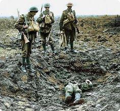 La première guerre est lentement en train de se perdre dans le souvenir collectif. Il y a presque un siècle me direz-vous. Certes. Mais au delà du temps qui passe, c'est surtout parce les images de l'