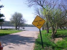 Road Ends In Water Old Signs, Funny Signs, Wind Turbine, Scenery, Water, Photos, Times, Random, Gripe Water