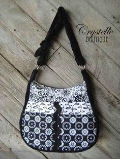 Free sewing pattern of the Rachel Handbag