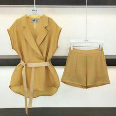 Fashion Dresses, Hijab Fashion, Korea Fashion, Work Wardrobe, Korean Outfits, Mode Style, Chic Outfits, Lounge Wear, Blazer