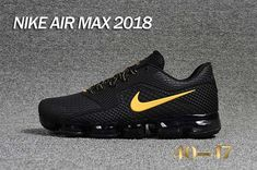 New nike air max 2018 kpu black gold men shoes Nike Air Max Mens, New Nike Air, Nike Air Vapormax, Nike Men, Nike Shoes Outfits, Men's Shoes, Play Shoes, Air Max Sneakers, Sneakers Nike
