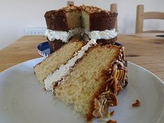 Easy Lemon & Almond cake, world's biggest cake but great flavours! Recipe at www.easyhomemadecakes.com