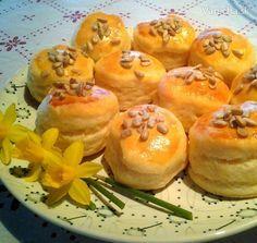 Smotanové pagáče Cantaloupe, Biscuits, Pizza, Bread, Baking, Fruit, Breakfast, Recipes, Ale