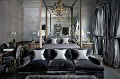 5 Romantic and Sensual Bedroom Interiors for More Sleep | Discover more: http://masterbedroomideas.eu/