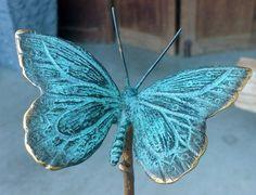 Tuinprikker vlinder brons x - Beautiful Woman Quotes Urn, Bronze, Metal Art, Decoupage, Butterfly, Clay, Ornaments, Woman Quotes, Beautiful