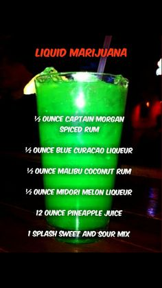 Delicious St Patricks Day Cocktails From 'Candy Infused Green Vodka' to 'Lucky Leprechaun Cocktail's' here's the only list of St Patrick's Day Cocktails you'll need to get the party started with a bang! There's some seriously tasty ones… Cocktails Vodka, St Patrick's Day Cocktails, Party Drinks Alcohol, Alcohol Drink Recipes, Liquor Drinks, Cocktail Drinks, Beverages, Mixed Drinks Alcohol, Alcoholic Drink Names