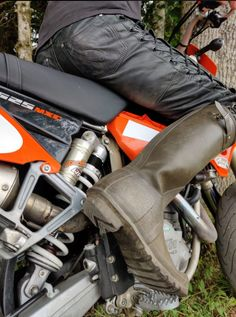 Hunter Wellies, Hunter Boots, Bike Leathers, Wrangler Jeans, Rubber Rain Boots, Biker, Army, Lederhosen, Men