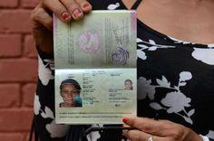 Nepal emite el primer pasaporte del mundo donde se contempla el 'tercer género' El documento figura a nombre de Monica Shahi, una conocida activista transexual. En enero de 2013 ya introdujo un tercer género en sus documentos nacionales de identidad. Mónica G. Prieto | El Mundo, 2015-08-11 http://www.elmundo.es/internacional/2015/08/11/55c96d17e2704e235f8b456c.html