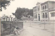 Escuelas Graduadas Públicas de Murcia: las de El Carmen, emplazadas al sur de la población. Los cuatro nuevos centros docentes fueron inaugurados, con ocasión del inicio del curso escolar, el 16 de septiembre de 1917.La construcción de las cuatro escuelas fue encargada al arquitecto murciano Pedro Cerdán Martínez. Después fueron Universidad hasta 1934.