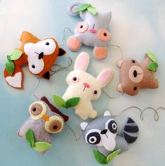 Such a cute woodland set by Precious Patterns. These sweet animals can be ornaments,  made into a garland or a baby mobile. These patterns can be enlarged to make fun plush toy too.