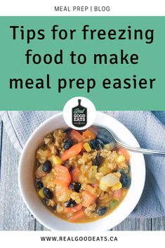 Having frozen ingredients that can come together into an easy weeknight meal also helps provide a quick alternative to take-out which helps save money too. Sharing tips for freezing common food ingredients plus tips for freezing full meal portions! Easy Meal Prep, Easy Weeknight Meals, Quick Meals, Full Meals, Pre Prepared Meals, Food Portions, Food Hacks, Food Tips, Frozen Meals