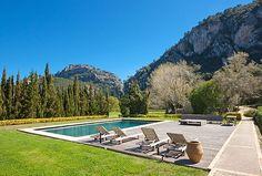Finca auf Mallorca - Immobilien Nova - Ref. 40591  Rustikale Finca mit atemberaubenden Blick auf das Tramutana Gebirge, Valldemosa, Mallorca. Rustikale Finca mit einem atemberaubenden Blick auf das Tramutanagebirge und auf das Tal von Valldemossa in einer sehr ruhigen Lage. Diese Finca wurde für den Eigentümer von einem Architekten, auf höchsten Komfort renoviert.   http://www.inmonova.com/de/property/id/516141-finca-auf-mallorca