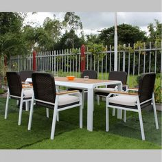 Outdoor Table and Chairs Rattan