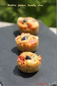 Muffins jambon, tomate, gruyère, olive My Recipes, Low Carb Recipes, Cooking Recipes, Favorite Recipes, Tapas, Good Food, Yummy Food, Vegetable Drinks, Snacks