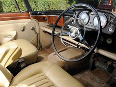 Risultati immagini per rover interior Buick, Car Rover, Cars Uk, Dashboards, Volvo, Cars And Motorcycles, Mercedes Benz, Volkswagen, Car Seats