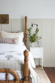mast bedroom one room challenge wood spindle bed farmhouse board and batten My New Room, My Room, Home Bedroom, Master Bedroom, Cottage Bedroom Decor, English Cottage Bedrooms, Cottage Style Bedrooms, Garden Bedroom, Spindle Bed