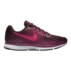 The iconic Women's Nike Air Zoom Pegasus 34 Running Shoe continues with an updated, engineered upper, Zoom Air units and Cushlon foam to deliver responsive cushioning. Dynamic Flywire cables help secure a 1:1 fit so you can go the extra mile in comfort.