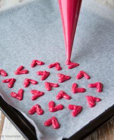 Rakkausrulla | Reseptit | Kinuskikissa Plastic Cutting Board