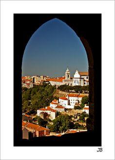 Janela sobre Lisboa, from São Jorge Castle, on Lisbon heights, a view to Igreja da graca, n Mouraria district, Lisbon, Lisboa_ South Portugal