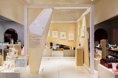 資生堂・銀座で、フィリップ ワイズベッカーの原画を展示 - コスメや香水を色鉛筆で描くの写真4