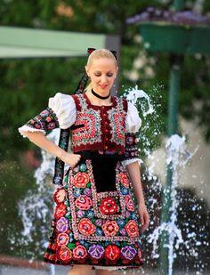 Ženský kroj Podpoľanie . Bratislava, Costumes Around The World, Folk Embroidery, Beautiful Costumes, World Of Color, Folk Costume, People Of The World, Europe, Costumes For Women