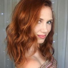 Holiday Hair Color Obsession: Gingerbread Red With Carrara Crimson - Haircuts Round Faces Hair Color Auburn, Red Hair Color, Shades Of Red Hair, Professional Hair Color, Professional Hairstyles, Natural Red Hair, At Home Hair Color, Beautiful Red Hair, Feathered Hairstyles