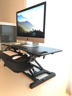 Standing desk versus traditional desk: you don't have to choose! - Decorology