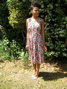 Items similar to Vintage Floral summer Dress on Etsy Vintage Floral, Lily Pulitzer, Vintage Items, Asos, Summer Dresses, Boutique, Etsy, Fashion, Moda