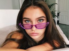 Great Tips For People Who Want Perfect Skin Sunglasses For Your Face Shape, Cat Eye Sunglasses, Sunglasses Women, Sunnies Sunglasses, Pretty People, Beautiful People, Model Tips, Look 80s, Lunette Style