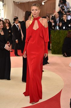 """Maria Sharapova Photos - Maria Sharapova attends the """"Manus x Machina: Fashion In An Age Of Technology"""" Costume Institute Gala at Metropolitan Museum of Art on May 2, 2016 in New York City. - 'Manus x Machina: Fashion In An Age of Technology' Costume Institute Gala - Arrivals"""