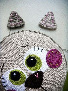 Tina's handicraft : cushion - Katzen Crochet Carpet, Crochet Home, Crochet For Kids, Crochet Crafts, Crochet Baby, Crochet Projects, Bobble Crochet, Crochet Stitches, Crochet Patterns