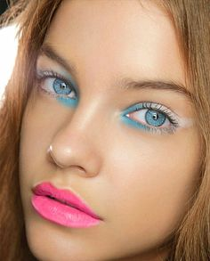 Summer Barbara Palvin - She had nailed the look: natural dewy skin with brown mascara coral lipstick. Coral Lipstick, Pink Lips, Lipstick Shades, Red Lips, Oriflame Cosmetics, Makeup Cosmetics, Runway Makeup, Braut Make-up, Dewy Skin